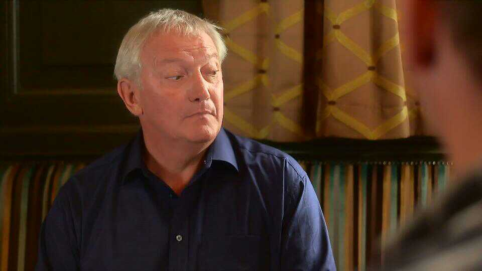 Graham Cole in Doctors 15th October 2015 ~30