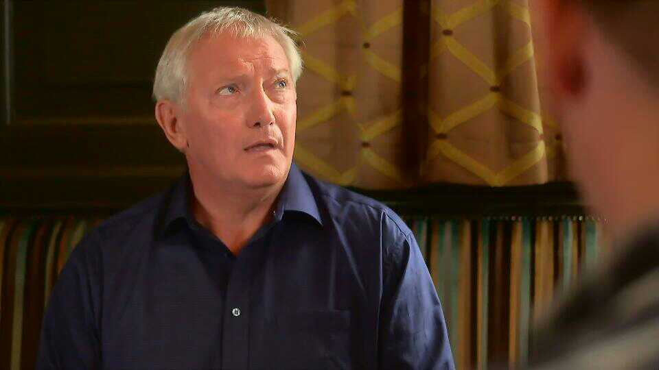 Graham Cole in Doctors 15th October 2015 ~35